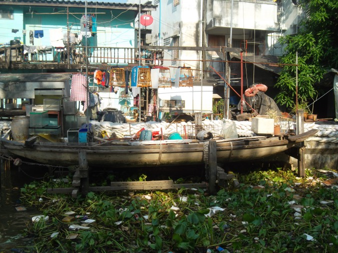 Weekly Photo Challenge: Street Life - 1. Bangkok/Bangpop